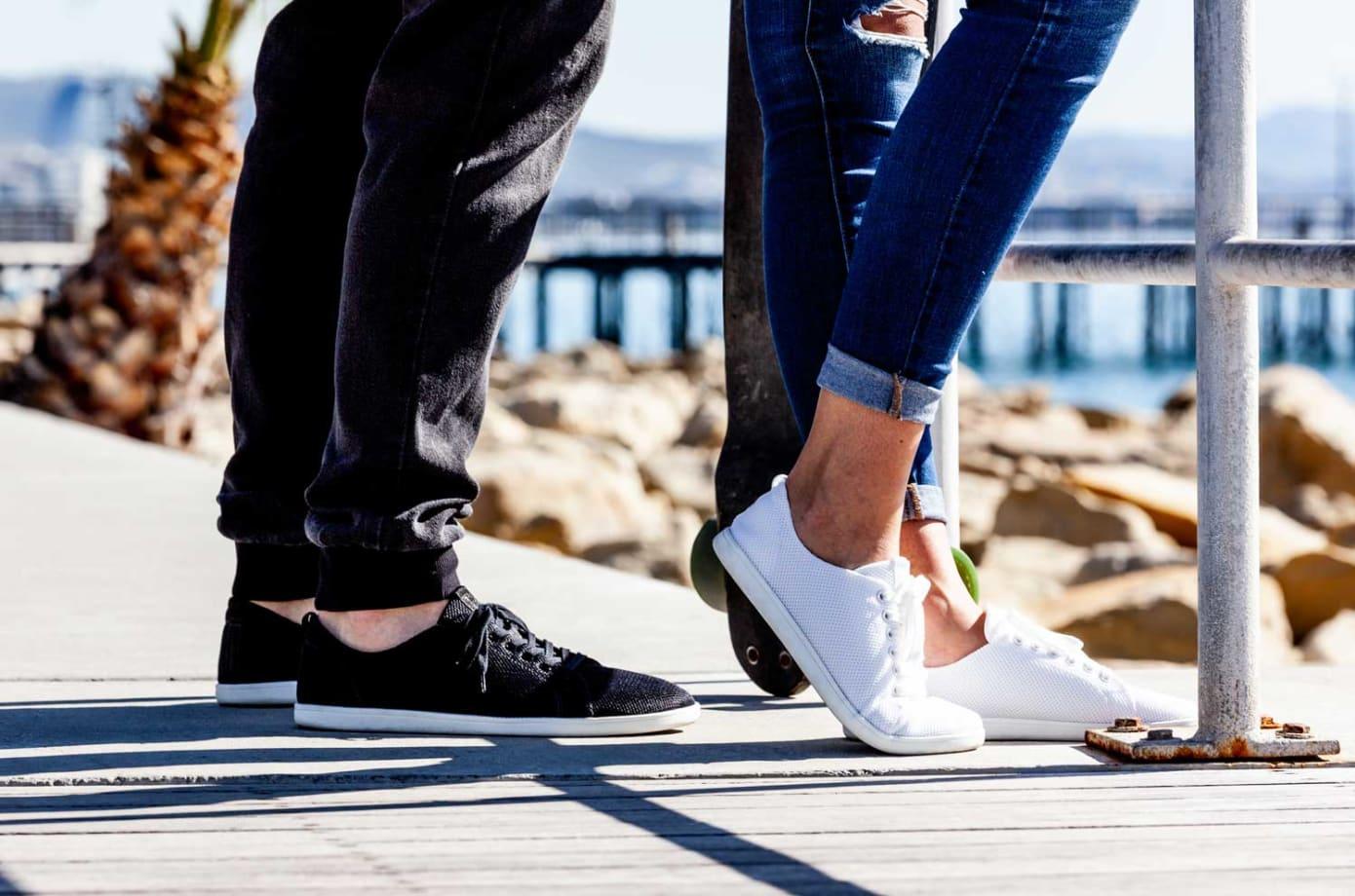重さたった177gと超軽量かつクルクルと巻いても持ち歩ける素足感覚のベアフットシューズ「Feelgrounds」